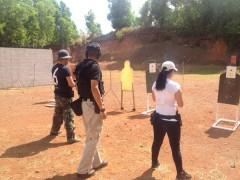 NRA会員や米軍指導者などがトレーニングを行うこともあります。